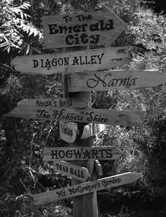 I abslutely love this sign post!!!  Where can I get one?  :>D