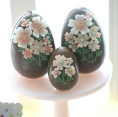 Beautiful decorated chocolate eggs by Adorable egg cake pops!! by Francisca Neves from LittleBigCo.blogspot.com.au