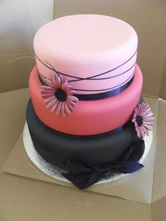 pink and black, but different. by sarah288, via Flickr