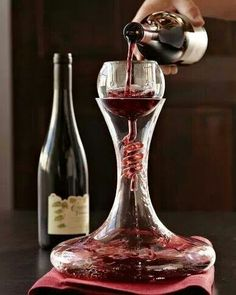 A glamorous way of decanting red wine