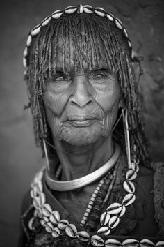 Old Hamar woman, Omo Valley, Ethiopia (photo by Claude Gourlay) Beautiful World, Beautiful People, Old Faces, Tribal People, Portraits, African Culture, African Art, Interesting Faces, World Cultures