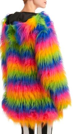 Oh please lemme go to pride this year  FOR COATS THEY TRIED TO MAKE TO MAKE THEMSELVES OR OTHER PEOPLE, KILL WHOEVER TRIED IT THRICE