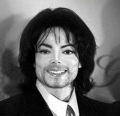 Image may contain: 1 person, smiling Michael Jackson Memes, Michael Jackson Smile, Michael Jackson Wallpaper, Janet Jackson, Paris Jackson, Ver Memes, King Of Music, Mj Music, Jackson Family