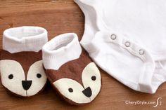 Make easy animal baby booties out of socks! - CheryStyle