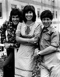 Blue Peter - Peter Purves, Valerie Singleton and John Noakes, Who'se got a plastic washing up liquid bottle? 1970s Childhood, My Childhood Memories, Great Memories, Blue Peter, Vintage Television, Vintage Tv, Vintage Pram, Kids Tv, Old Tv Shows