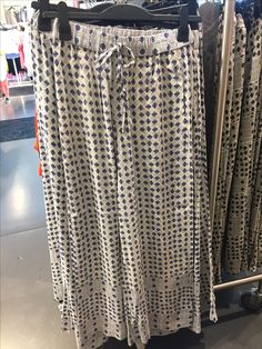 Beach Pant at H&M Soft Pants, Beach Pants, Sequin Skirt, Sequins, Tote Bag, Skirts, Bags, Fashion, Moda