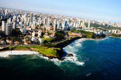 Passeios de Helicóptero em Salvador http://presentes-bergolli.com/br/presentes-de-experiencias-aventuras-aereas/passeios-de-helicoptero-salvador.html