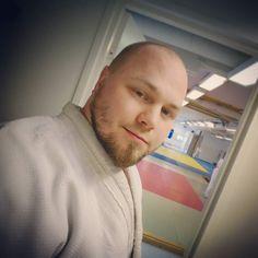 Muutamien vuosien tauon jälkeen olen vähin äänin palannut ensirakkauteni pariin. Nyt on tätä taas jo pari kuukautta takana. Olo on kuin olisi löytänyt takaisin kotiin oltuaan kauan eksyksissä  #judo