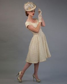 Louise Green - pale gold fascinator