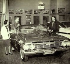 On the showroom floor… Impala convertible (and some time-wasting kids who can't buy anything) 1961 Impala, Chevrolet Impala, Classic Trucks, Classic Cars, Vintage Cars, Antique Cars, Vintage Auto, Chevy Dealerships, Convertible