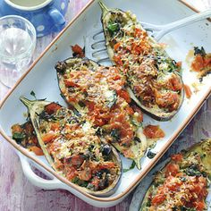Gevulde aubergines/ Stuffed Eggplant add lean ground beef - Allerhande (recipe is in Dutch)