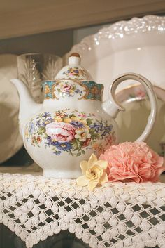 Sweet Vintage Teapot