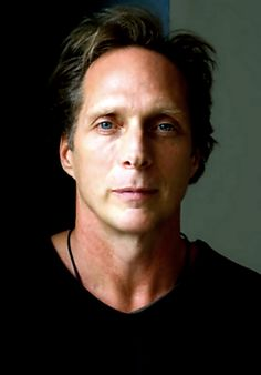 Loving this pic of William Fichtner's Face :-)