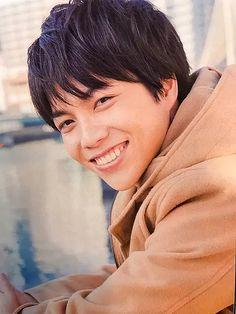Actors, Celebrities, People, Healing, Japan, Eyes, Korean Actors, Celebs, People Illustration