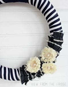 DIY Simple Navy and White Wreath. A Bit Nautical, and perfect for Spring and Summer! Via View From The Fridge