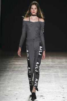 #AuJourLeJour  #fashion   #Koshchenets      Au Jour Le Jour Fall 2016 Ready-to-Wear Collection Photos - Vogue