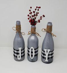 Glitter Wine Bottles, Wine Bottle Vases, Wine Bottle Gift, Wine Bottle Crafts, Starbucks Glass Bottle Crafts, Bottle Art, Christmas Vases, Christmas Wine Bottles, Christmas Snowman