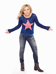 """Samantha """"Sam"""" Puckett is one of the title characters and one of the main protagonists on the show alongside Cat Valentine. She is a continued character from iCarly. Sam is portrayed by Jennette McCurdy. Sam E Cat, Ariana Grande Cat, Jenette Mccurdy, Icarly And Victorious, Cat Valentine Victorious, Star Fashion, Fashion Outfits, Female Vampire, Bonnie Wright"""