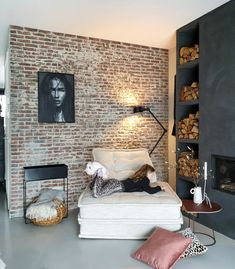 Winter Cottage Interior - - Cafe Interior Seating - Contemporary Interior Store - Home Office Interior - Luxury Homes Interior, Interior Architecture, Design Your Home, House Design, Living Room Decor Inspiration, Interior Design Living Room, Interior Paint, Room Decor Bedroom, Home And Living