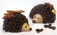 Ohhhhhhh too cute! Fragrant hedgehogs of coffee beans. Master Class, Coffee Bean Art, Coffee Beans, Coffee Grain, Crafts For Kids, Diy Crafts, Styrofoam Ball, Free To Use Images, Hobby House