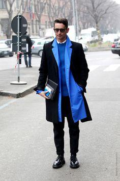 (Simone Marchetti) 블랙&블루 화려한듯 시크한 조화