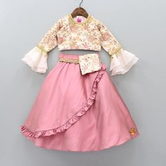 Indian Dresses For Kids, Gowns For Girls, Frocks For Girls, Kids Outfits Girls, Baby Outfits, Baby Girl Dress Design, Girls Frock Design, Kids Frocks Design, Baby Frocks Designs