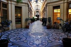 Little Pieces of Light: Things to do in Paris when it's raining Galerie Vivienne, Christmas In Paris, Christmas Time, Entry Hall, Eurotrip, Paris France, Stuff To Do, Places, Outdoor Decor