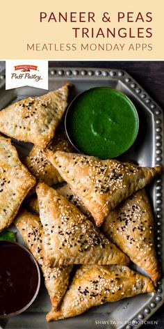 Paneer & Peas Triangles - Shweta in the Kitchen Chaat Masala, Garam Masala, Yummy Appetizers, Appetizer Recipes, Pepperidge Farm Puff Pastry, Puff Pastry Sheets, Indian Food Recipes, Ethnic Recipes, Meatless Monday