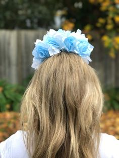 Blue and white rose flower crown perfect for the bride to be  BluStunningarrangement of blue and white roses for the perfect flower crown for a bride to be