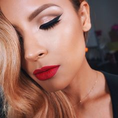 Glam Makeup /You can never go wrong with a red lip and winged liner. ❌⭕