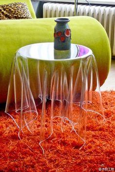 Mesa transparente de acrílico o.O