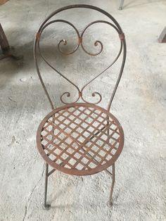 τηλέφωνο 6977276427 Στέλιος Μαραγκός , www.siloart.gr ... Καρέκλα από μασίφ σίδερο βαμμένο καφέ χρώμα χειροποίητο έπιπλο εξωτερικού και εσωτερικού χώρου βαριά κατασκευή, ύψος 90εκ., διάμετρος καθίσματος 40εκ., τιμή 120€.... Window Shutters, Old Doors, Traditional House, Furnitures, Vintage Furniture, Accent Chairs, Handmade, Home Decor, Blinds