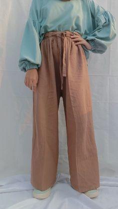 Baju : no 15 Kulot : no 7 Harem Pants, Ootd, Simple, Fashion, Moda, Harem Trousers, Fashion Styles, Harlem Pants, Fashion Illustrations