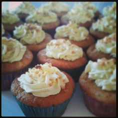 Cupcakes de cambur (plátano) recién hechos :) / Homemade Banana Cupcakes