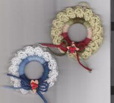 Crochet Holiday Wreaths