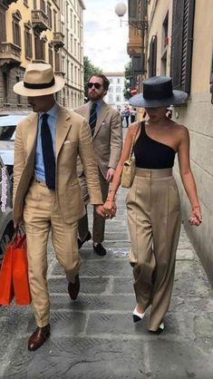 """Stylish couple out on the town in """"(life)style! Mode Outfits, Fashion Outfits, Womens Fashion, Fashion Trends, Fashion Ideas, Ladies Fashion, Ladies Outfits, Milan Fashion, Stylish Outfits"""