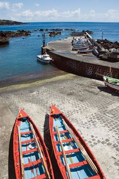 Travelling to Azores, Portugal by Garry Marchant, BCBussiness Guide to World Travel April 2, 2012 | Eschewing mass tourism, Portugal's Azores archipelago is a slice of heaven on earth...
