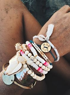 Summer, Beach And Sand... Gorgeous Bracelet Combination For A Bohemian Vibe. Gold, Metals, Shells, Pearls And Even Coins For A Cute Look