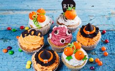 Download wallpapers Halloween, October, autumn holidays, cakes, halloween pastries, sweets