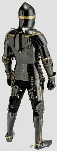Armature jousting armor of Dr. Tobias Capwell, scholar and warrior. A unique armour in the English style, circa 1440 - made of hardened and tempered medium carbon steel with rich gilt ornamentation and gilt chainmail. Medieval Knight, Medieval Armor, Medieval Fantasy, Dark Fantasy, Fantasy Armor, Armadura Medieval, Knight In Shining Armor, Knight Armor, Arm Armor