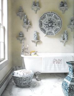 chinoiserie bathroom