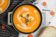 This winter, warm up with a delicious ginger carrot soup recipe. It's made with vegetable broth and coconut milk, so it's perfect if you eat a vegan diet. Carrot Recipes, Healthy Soup Recipes, Raw Food Recipes, Gourmet Recipes, Cooking Recipes, Easy Recipes, Liver Recipes, Cooking Tips, Free Recipes