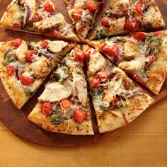 Switch up your regular pizza routine and prepare this easy and flavorful Chicken Pizza Italiano in minutes. Land O Lakes Recipes, Thin Crust Pizza, Pizza Pizza, Regular Pizza, Italian Dinner Recipes, Chicken Pizza, Garlic Chicken, Pizza Recipes, Easy Recipes