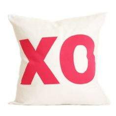 XO PILLOW COVER