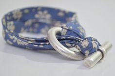 scrap cloth bracelet - great idea if you make your own clothes and want to have matching jewelry!