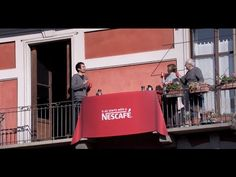 Nescafé une a estos vecinos a través de un café entre balcón y balcón | Tiempo de Publicidad | Blog de Publicidad y Creatividad