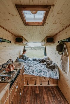 Campervan Interior Design Ideas for A Cozy Camping Time. Lovely Campervan Interior Design Ideas for A Cozy Camping Time. 15 Campervan Interior Design Ideas for A Cozy Camping Time Interior Kombi, Trailer Interior, Van Interior, Vw Lt Camper, Camper Life, Camper Van, Bus Life, Toyota Camper, Vw Lt 35
