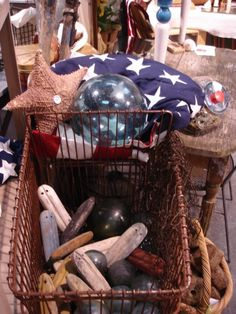 Sisters Antiques -- flag not displaying according to flag etiquette.