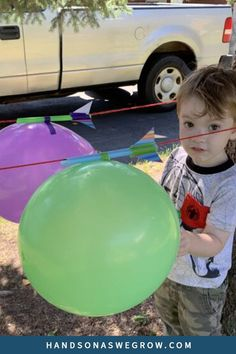 Very easy science experiment for toddlers and preschoolers with balloon straw rocket races. All you need are balloons, string or yarn, tape and paper. Perfect for indoors and outdoors. Toddler Science Experiments, Science Activities For Kids, Preschool Science, Toddler Preschool, Preschool Activities, Teaching Science, Teaching Kids, Kids Learning, Balloon Rocket