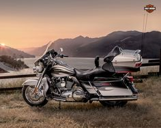 Harley-Davidson CVO Ultra Classic® Electra Glide -- Top of the line Grand American Touring as only Harley-Davidson® does it. From power to premium features—when you want it all, this is the bike that brings it. Harley Davidson Cvo, Harley Davidson Street Glide, Harley Davidson For Sale, Harley Davidson Birthday, Harley Davidson Ultra Classic, Harley Davidson Motorcycles, Moto Logo, Classic Motorcycles For Sale, Electra Glide Ultra Classic